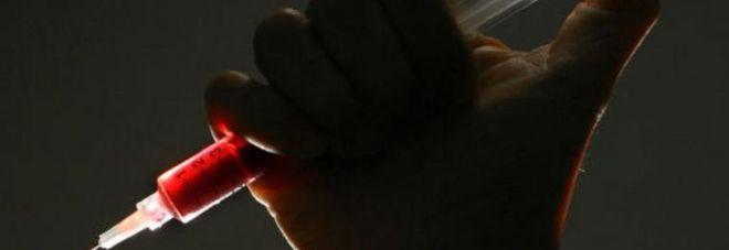 Medico malato di Aids infetta 90 pazienti: 65 sono bambini