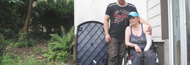 Colonia, i medici le amputano i piedi e un avambraccio a seguito di una puntura di zanzara