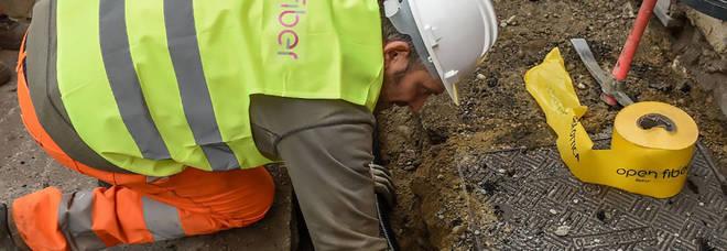 «Da Open fiber centraline sulle case senza autorizzazione»