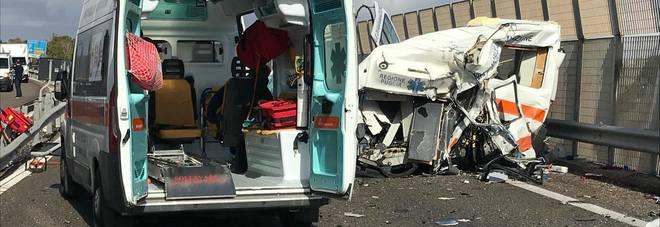 Ambulanza contro camion: due morti sulla Lecce-Gallipoli