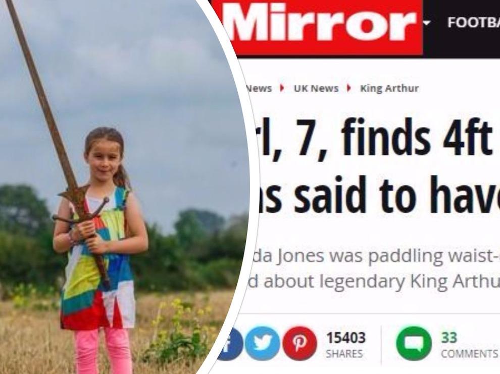 Trova un'antica spada nel lago Dozmary Moor, rinasce il mito di Excalibur